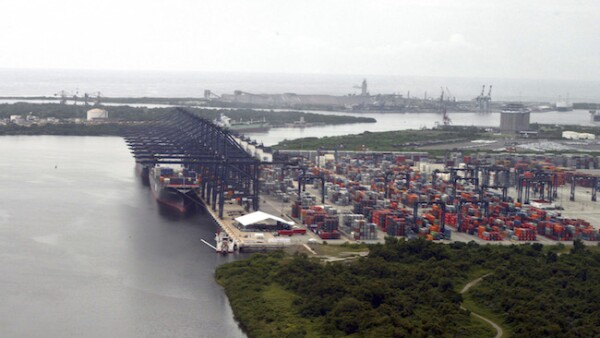 Puerto de Lázaro Cárdenas