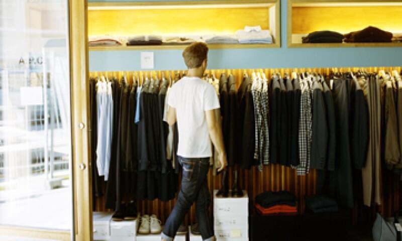 Tiendas de ropa, zapaterías y almacenes son algunos de los negocios que ofrecerán descuentos. (Foto: Getty Images)