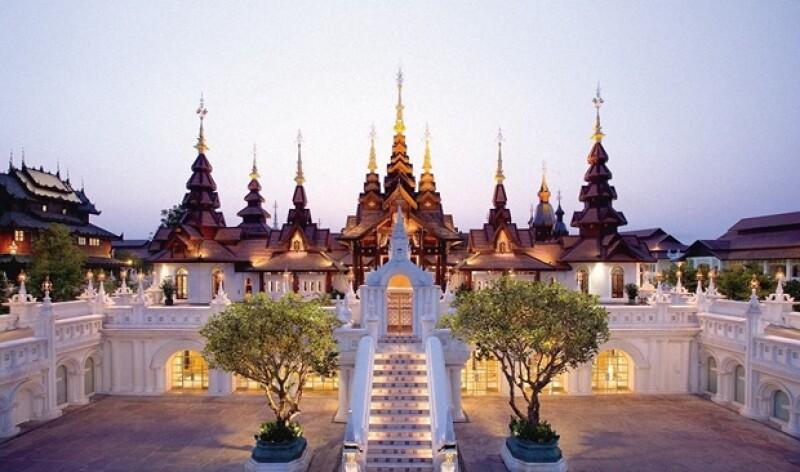La imponente fachada del Mandarin Oriental.