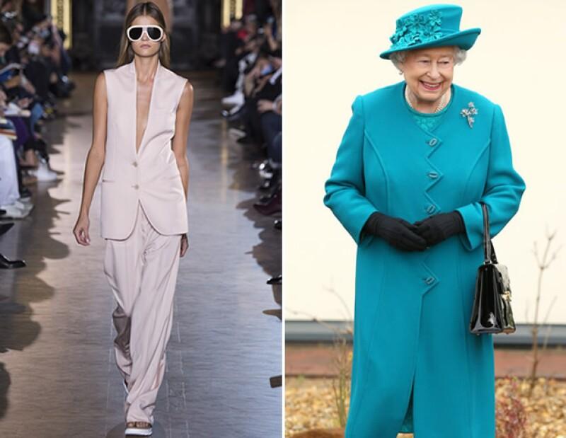 Así como lo propone Stella McCartney para primavera, la reina ha desfilado un millar de looks monocromáticos a lo largo de su vida.