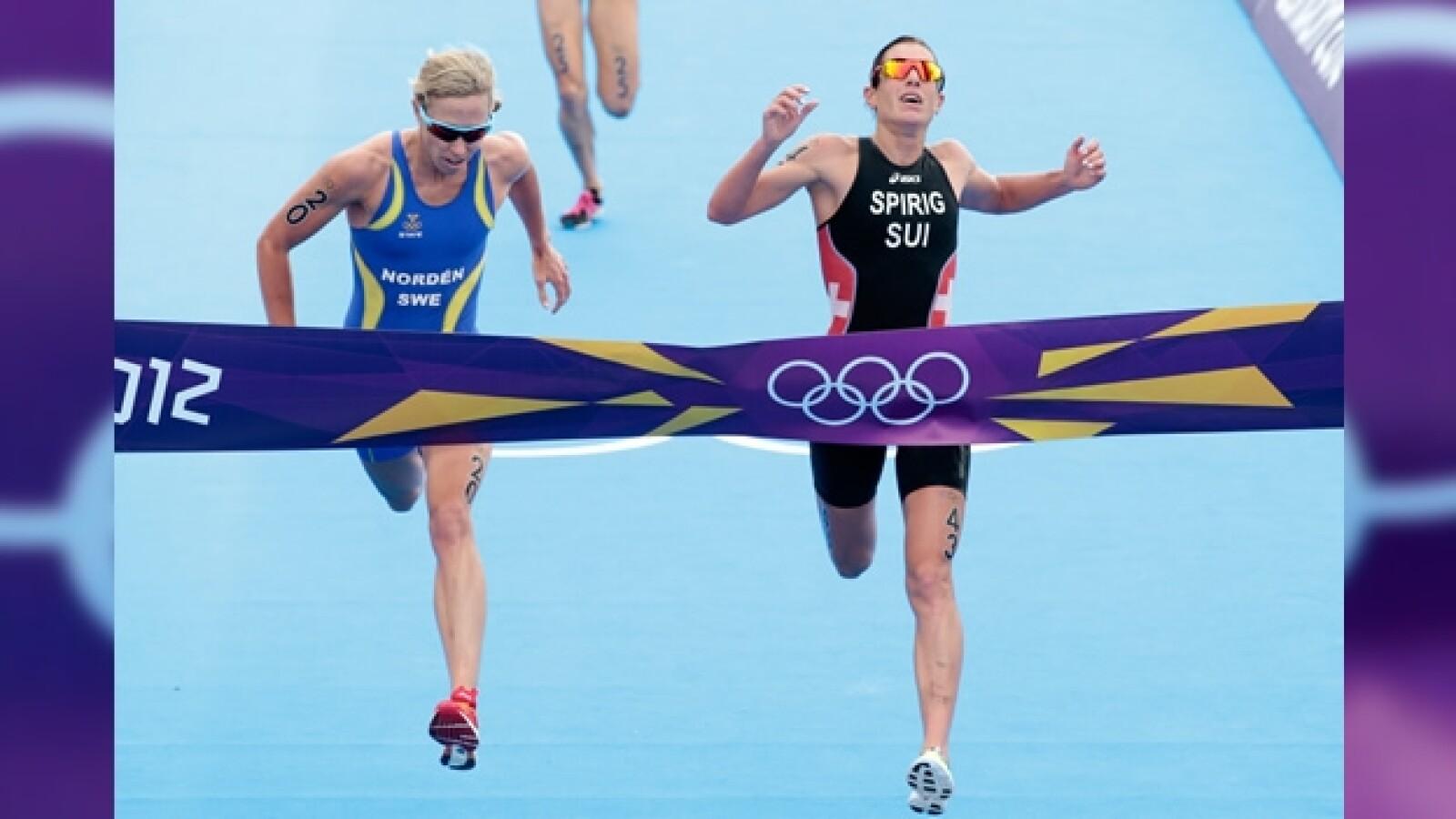 Lisa Norden y Nicola Spirig triatlón