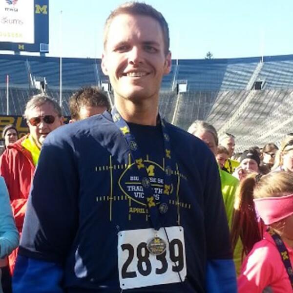 Brian empezó a practicar ciclismo y luego a correr; hace algunas semanas, completó su tercera carrera de cinco kilómetros