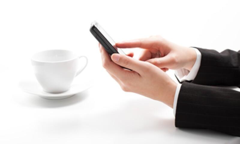 La misma internet se ha convertido en el lugar de asesoramiento, donde los gurús de la etiqueta virtual asesoran a los internautas para que tengan buenos modales on line. (Foto: Getty Images)