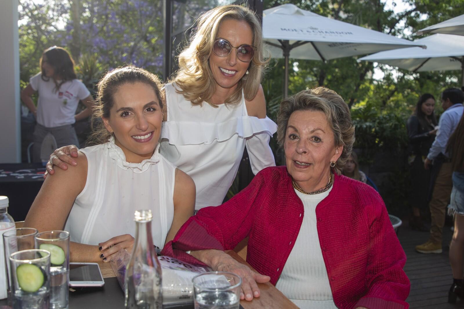 Cecilia Pilgram, Lupe Pilgram, Cristina Cortina