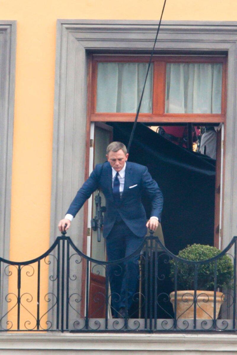 Tras semanas de preparar el set de filmación, el actor inglés estuvo filmando en el Centro Histórico la persecución de un asesino.