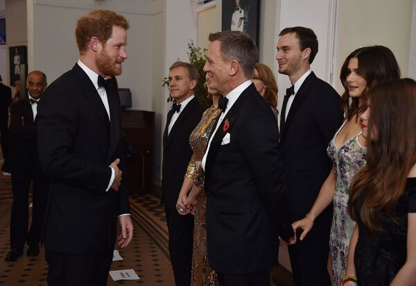 Príncipe Harry y Daniel Craig