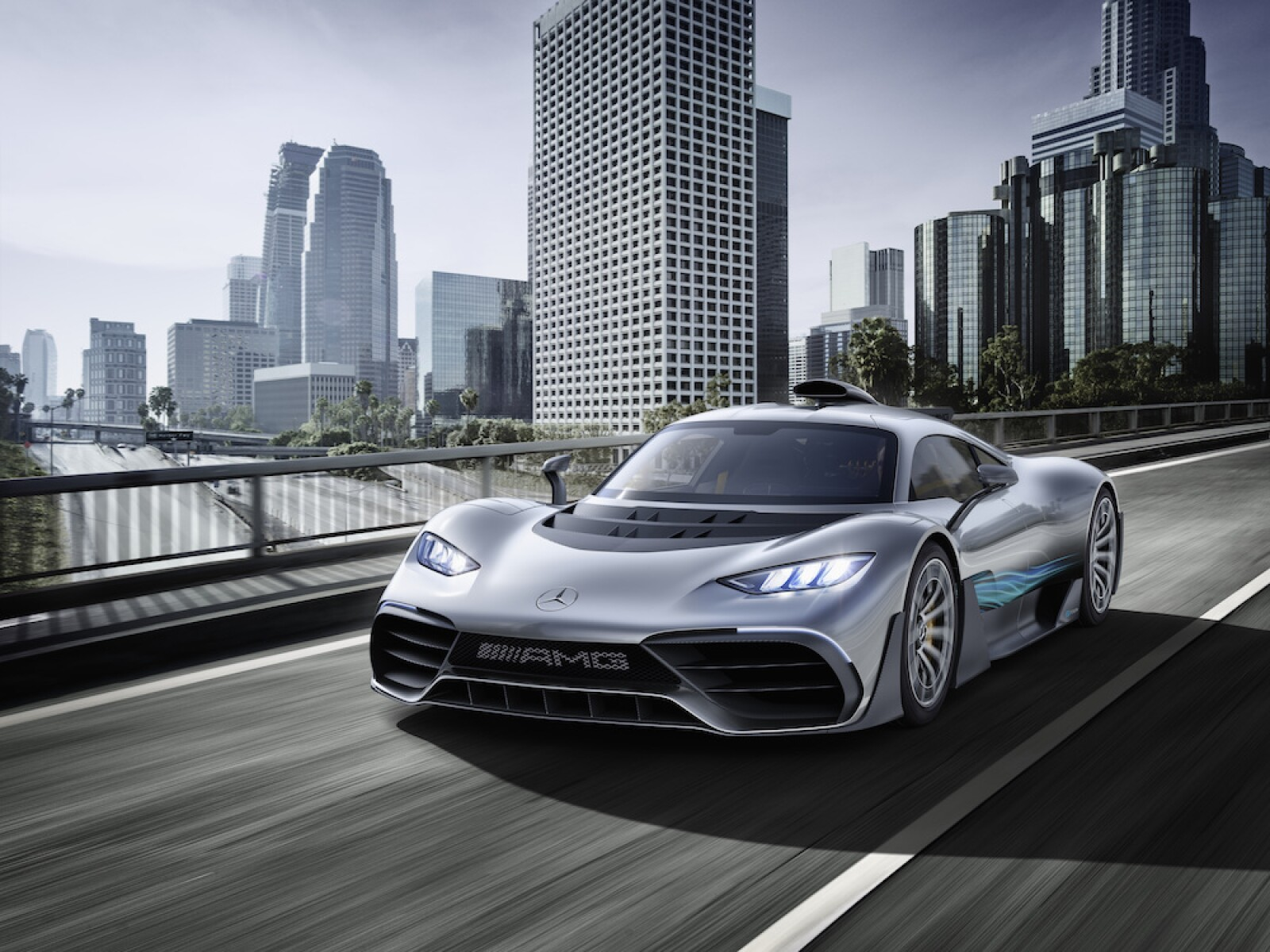 Weltpremiere Showcar Mercedes-AMG Project ONE: Mercedes-AMG bringt Formel 1-Technologie für die Straße