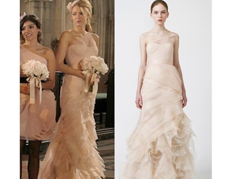 El vestido de la actriz Blake Lively corresponde a la colección Primavera-Verano 2011.