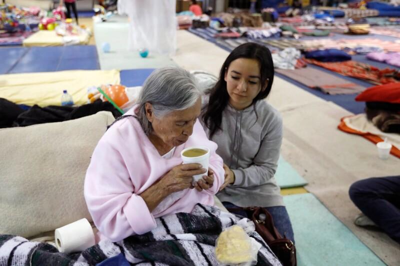 Millenials ayudando durante el sismo del 19 de septiembre.