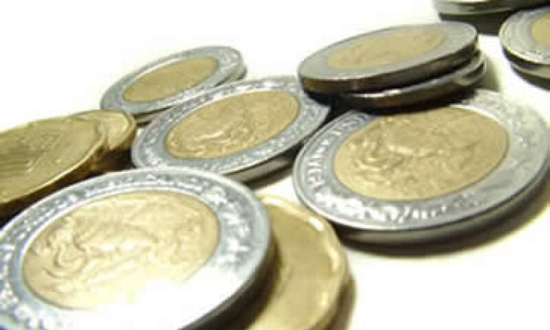En ventanillas de bancos y casas de cambio, el peso operaba en 11.63 por dólar a la compra y en 12.03 pesos a la venta. (Foto: Archivo)