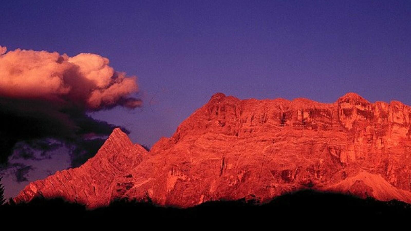 El arrebol alpino Italia