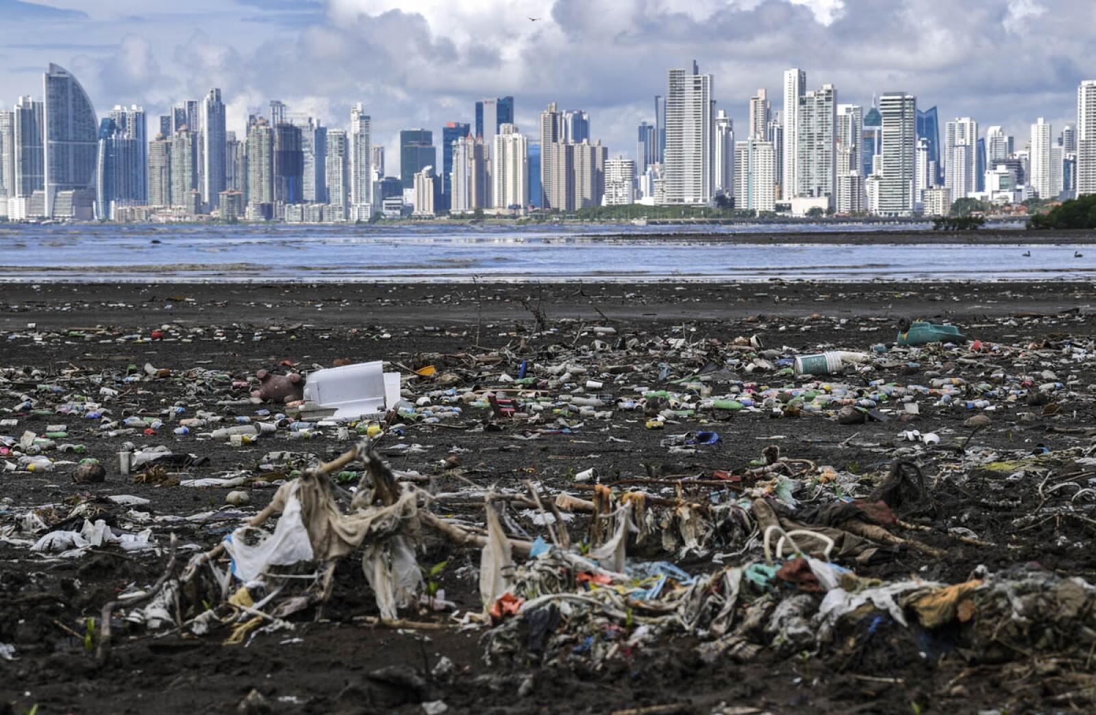 PANAMA-ENVIRONMENT-PLASTIC-WASTE