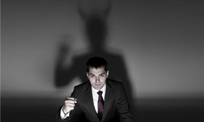 El peor enemigo de un líder es él mismo, al desviar la mirada para culpar a los demás de sus decisiones. (Foto: iStock by Getty Images )
