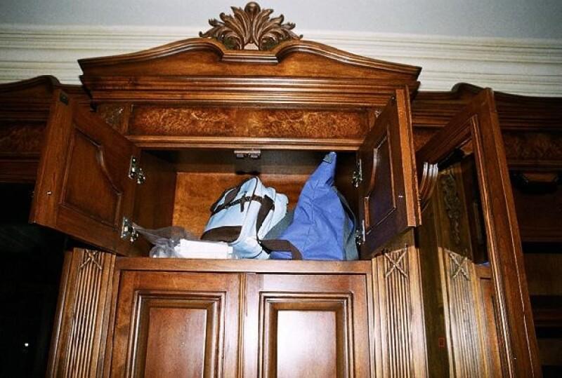 También se mostraba el maletín de Conrad Murray, que contenía varios tipos de medicamentos.