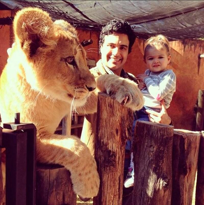 Jaime Camil es un padre entregado con Elena.