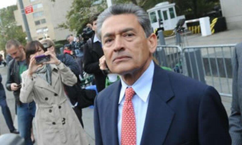 Rajat Gupta enfrenta cinco cargos de fraude de valores que conllevan a penas máximas de 20 años cada uno. (Foto: Reuters)