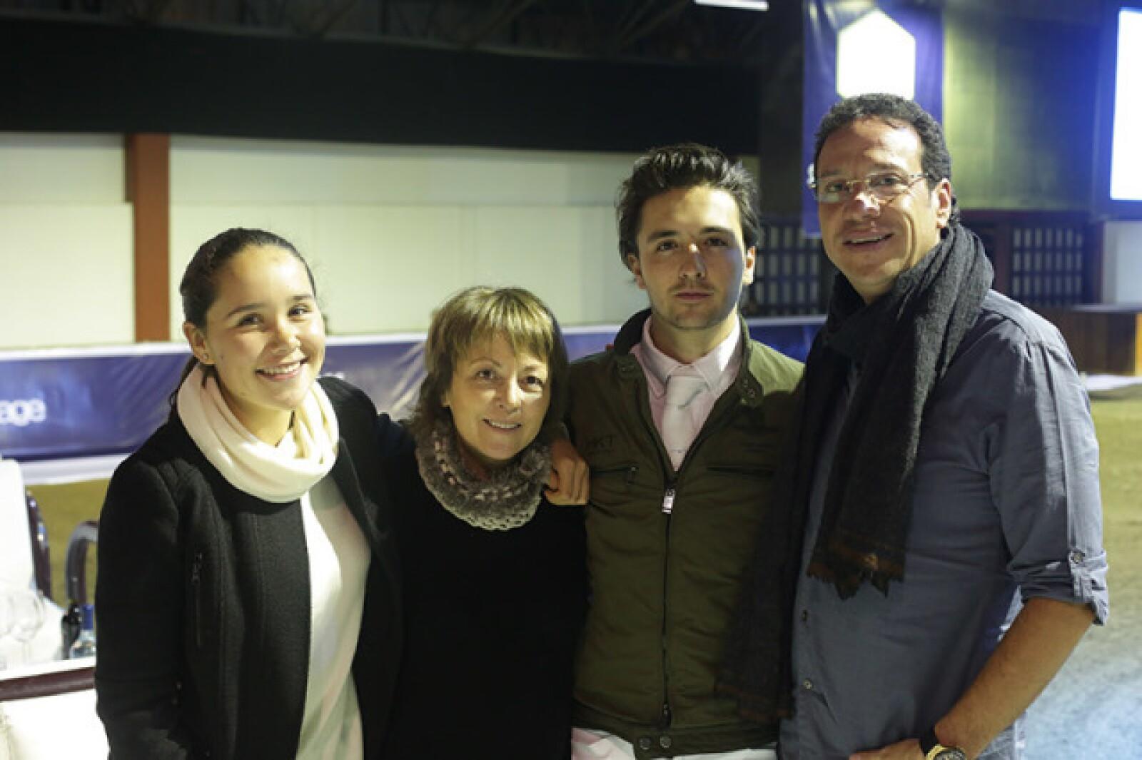 Valentina Prieto,Esther Canedo,Jorge Canedo y José Luis Prieto