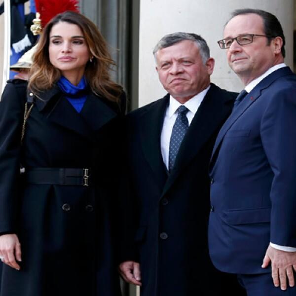 Abdullah asistió con su esposa la reina Rania y antes de la marcha se reunieron con Francois Hollande.