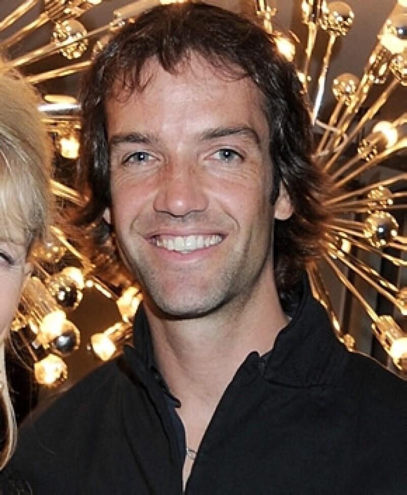 Ned Rocknroll es nada menos que el sobrino de Richard Branson, un magnate británico; tiene 34 años, es divorciado y hace varios años se cambió el nombre.