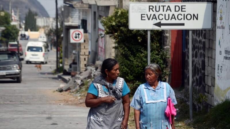 ruta de evacuacion en el volcan popocatepetl