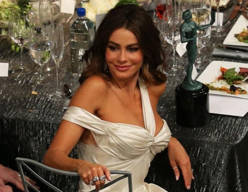 Críticos televisivos aseguran que `Gloria´el personaje de Sofía en `Modern Family´ hace chistes que en vez de ayudar a la imagen latina, la daña.