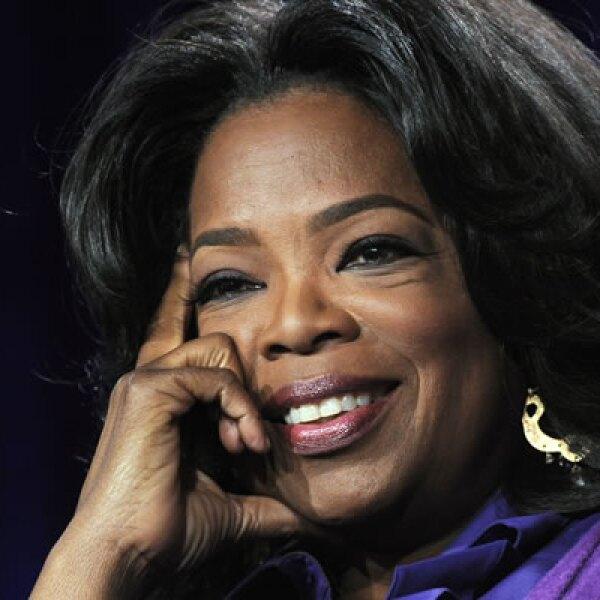 Oprah Winfrey inició su carrera en 1984, con el programa matutino 'A.M. Chicago'. La conductora inició su programa en solitario en 1985, y 26 años después se despidió con la visita de varias estrellas de la farándula.