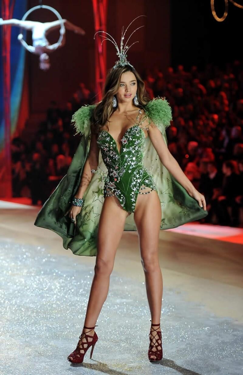 Miranda Kerr con su sexy leotardo verde.