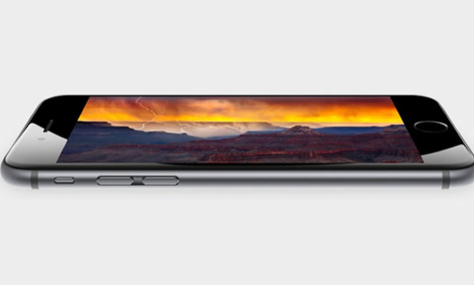 Tanto el iPhone 6 como el iPhone 6 Plus cuentan con una nueva pantalla Retina HD.