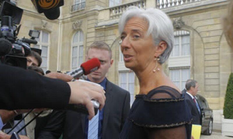 Christine Lagarde dijo que hay un círculo vicioso que combina un crecimiento lento por la crisis financiera con la deuda soberana elevada. (Foto: AP)