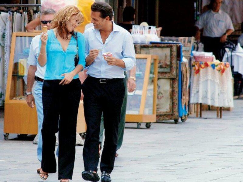 Aracely Arámbula y Luis Miguel fueron captados por primera vez juntos en 2005 mientras paseaban por Venecia.