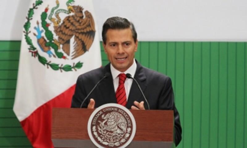 Peña Nieto presentó el programa Crédito Joven en Los Pinos. (Foto: Notimex )