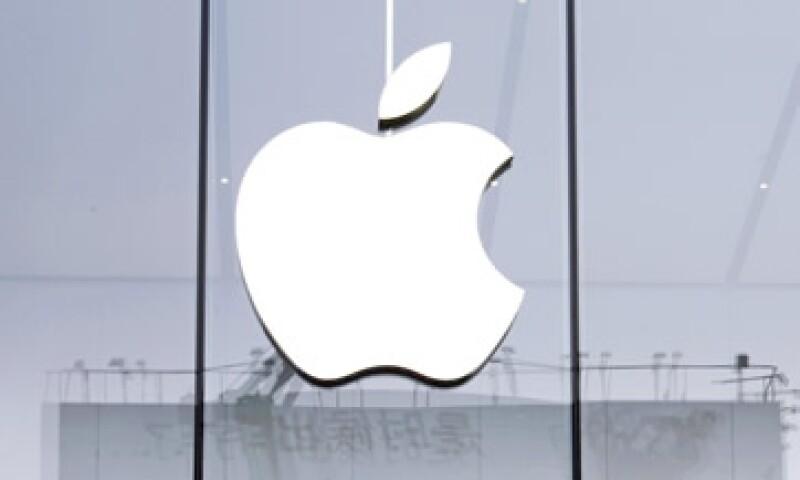 Apple está presionando a su equipo automotriz, dice Bloomberg. (Foto: Reuters )