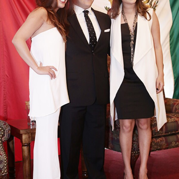 Ana Ortiz, Cayo Ramírez y Andrea Flores