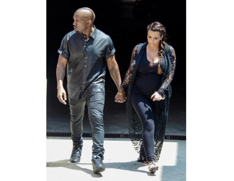 Contrario a su hermana Kourtney, la futura mamá y Kanye West no quieren que su hija continúe en el negocio familiar. Kris, mamá de las Kardashian quiere convencerla de mostrar su parto.
