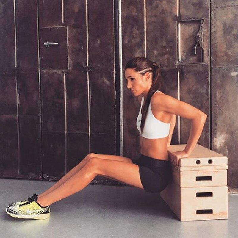 Cuenta con más de 3 millones de seguidores en Instagram y un programa de ejercicios que harán cambiar tu cuerpo y tu alimentación en tan sólo 12 semanas.