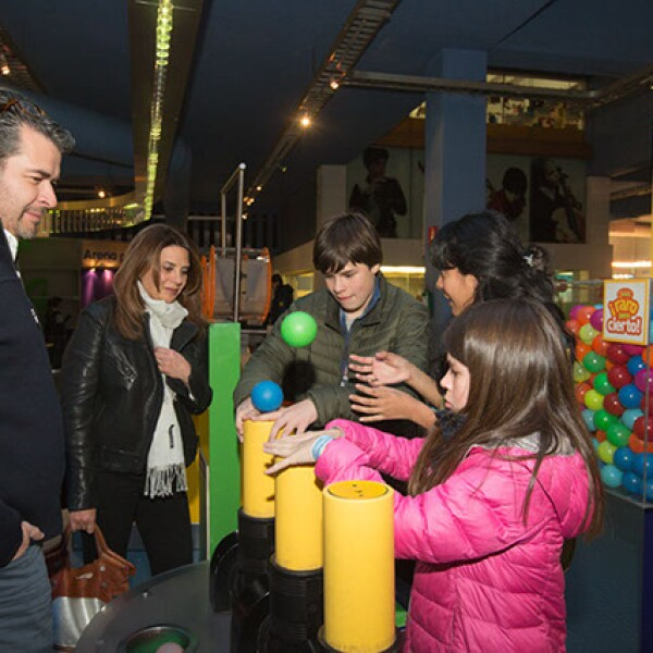Juan Carlos Becerra,Rocío Franco,Rodrigo Becerra,Dulce Díaz,Natalia Becerra