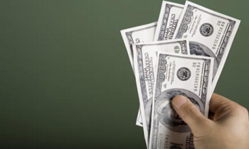 A la compra, el dólar se ubica en 16.15 pesos. (Foto: iStock by Getty Images.)