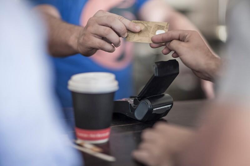 Una persona puede gastar más de 200 dólares en comida a la semana.