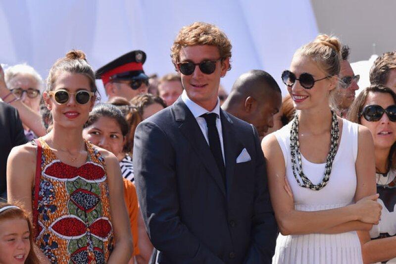 Carlota Casiraghi estuvo en el evento sola, sin Gad Elmaleh, acompañando a su hermano Pierre y a su futura cuñada, Beatrice.