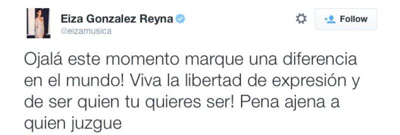 Por último, un mensaje en español mostró su posición ante la situación.