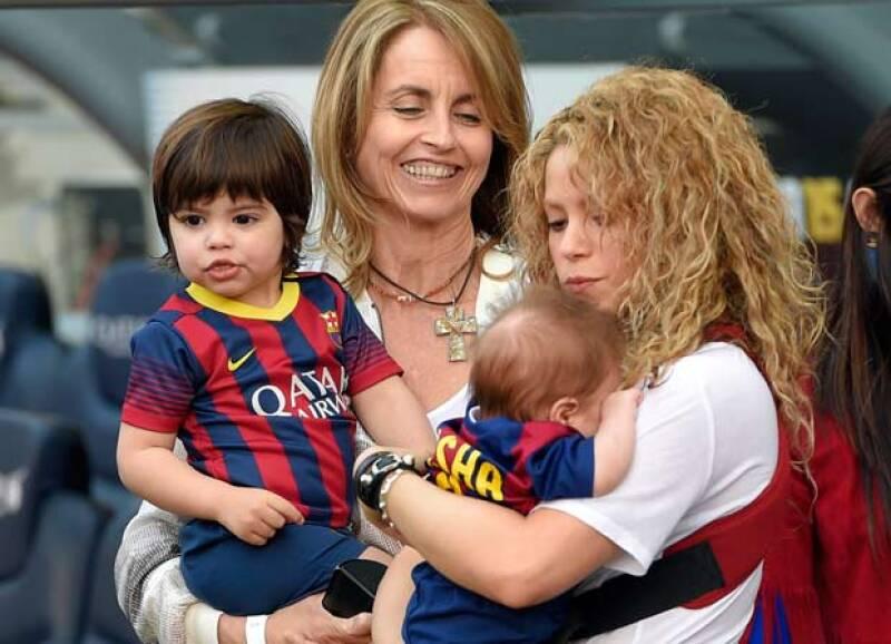 La mamá de Piqué se mostró muy contenta porque sus nietos, en especial el bebé Sasha, debutara como parte del Barca.