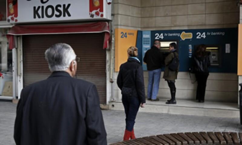 Un impuesto a los ahorros bancarios en Chipre fue rechazado por el Parlamento. (Foto: Reuters)
