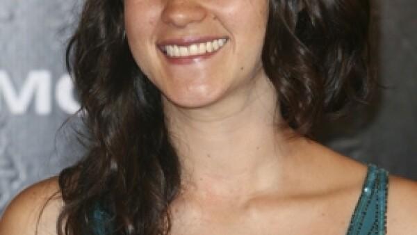 La joven actriz y cantante es una de las intérpretes que conforma la producción discográfica de la película Paradas continuas, en donde Gloria Calzada debuta como productora.