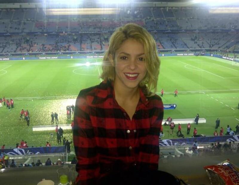 Shakira celebró luego de que el Barcelona le ganó al Santos en el Mundial de Clubes.