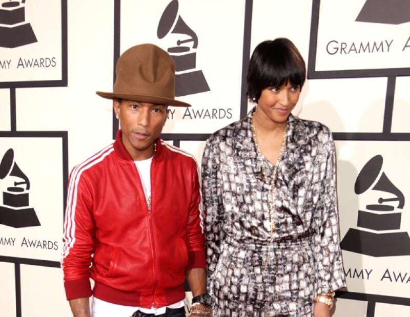 El galardonado cantante y productor se llevó a casa varios Grammy pero en realidad quien acaparó toda la atención fue el enorme fedora que usó.