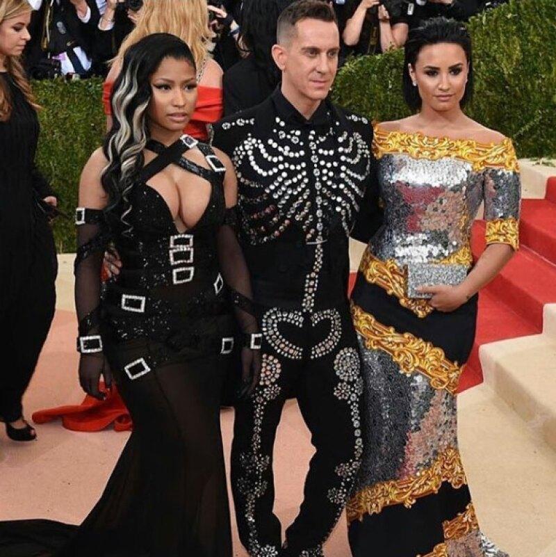 Nicki, Jeremy y Demi fueron dates durante la noche, aunque la hip hopera no estuvo muy feliz al respecto.