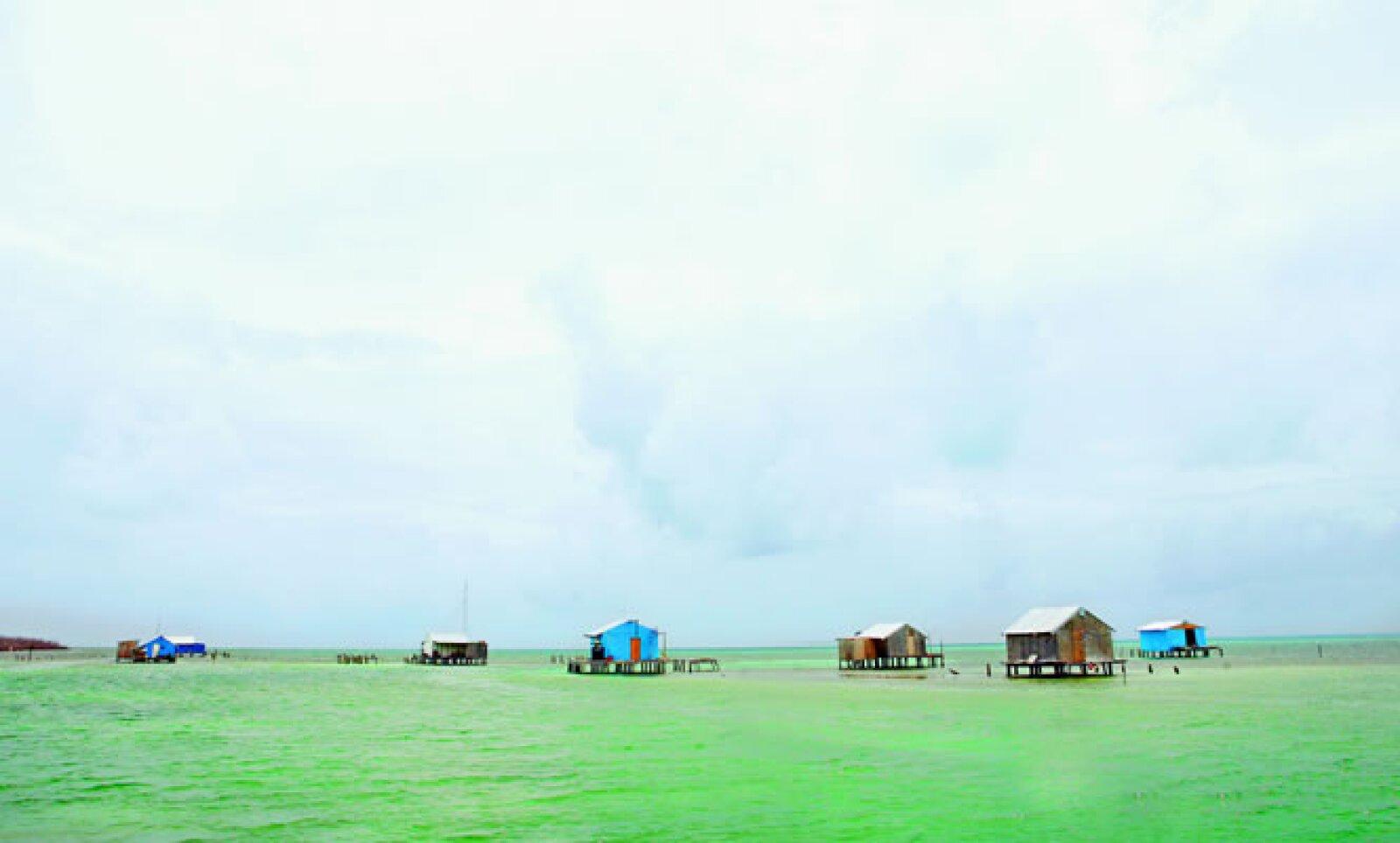 Campamento de pescadores en Banco Chinchorro.