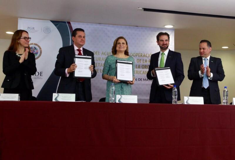 que con la firma de este acuerdo, se avanza en la implementación de nuevas acciones y adopción de nuevas prácticas a nivel internacional.