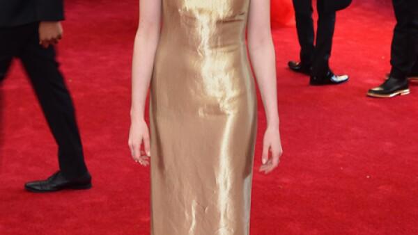El vestido de Ralph Lauren para Anne Hathaway no fue el adecuado para la ocasión. No iba con el tema y no favoreció su figura.