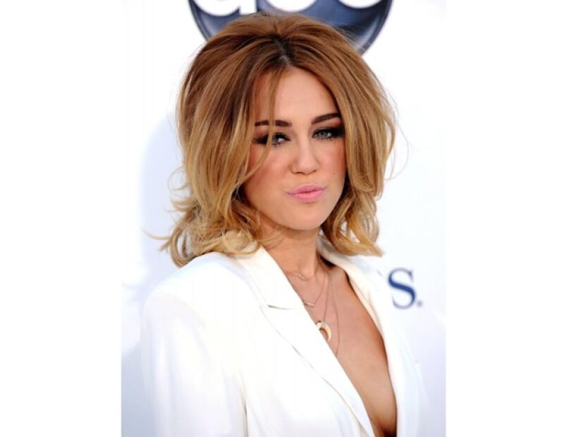 Entre su peso y forma de vestir, Miley ha sido nota durante el mes.